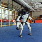 ロボットだって踊りたいの! 超性能ロボットダンスが炸裂!